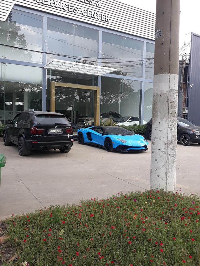 Siêu bò Lamborghini Aventador SV hàng hiếm từng của Minh lột xác sang phong cách mới với biển số khác biệt - Ảnh 1.