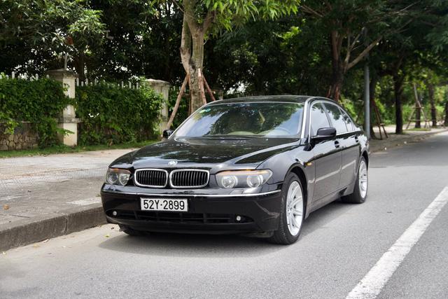 BMW 745Li đã đi hơn 100.000 km nhưng nội thất vẫn long lanh, chủ nhân rao bán giá 498 triệu đồng - Ảnh 1.