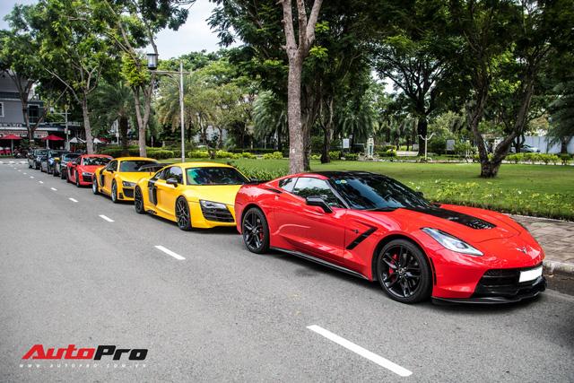 Dàn siêu xe Sài Gòn xếp hàng dài trên một con phố với cách phối màu gây chú ý - Ảnh 14.