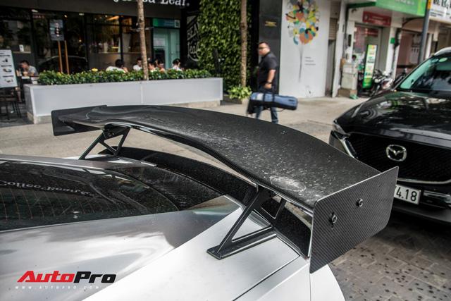 Chevrolet Corvette C7 Stingray đổi màu độc đáo - Cách đại gia Hà Nội tạo sự chú ý tại Sài Gòn - Ảnh 9.