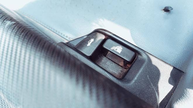 Người dùng Toyota Yaris sedan 10 năm chưa đổi xe: Chạy mãi không hỏng