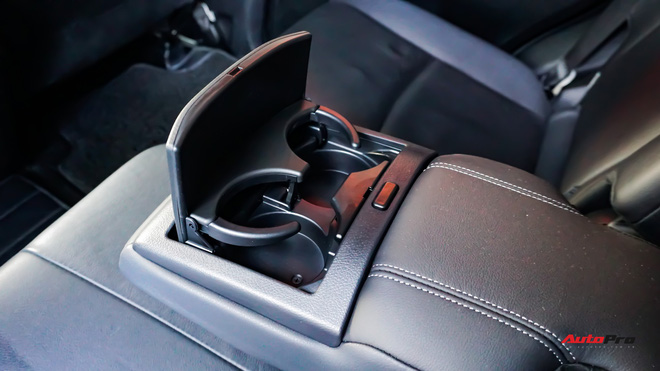 Chạy 2 năm hơn 3 vạn km, Toyota Prado TXL vẫn bán được giá trên 2 tỷ đồng - ảnh 20