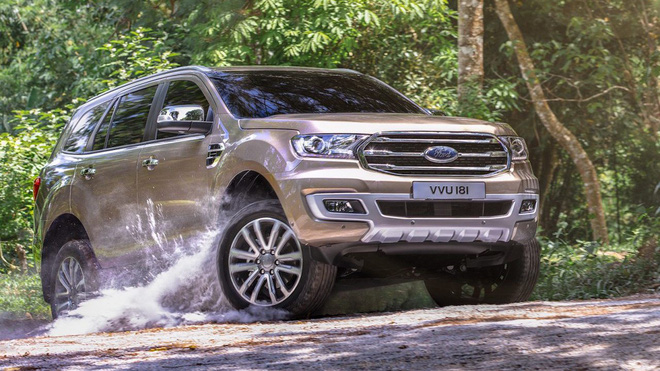 Ford Everest 2019 hay Toyota Fortuner?