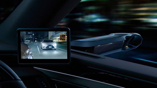 Chi tiết gương chiếu hậu điện tử trên Lexus ES sắp xuất hiện trên toàn cầu