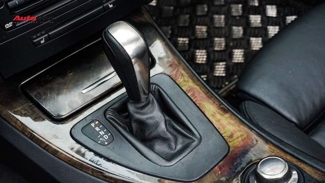 Giữ xe như mới nhưng chủ nhân BMW 328i Convertible chỉ bán lại với giá hơn 900 triệu đồng