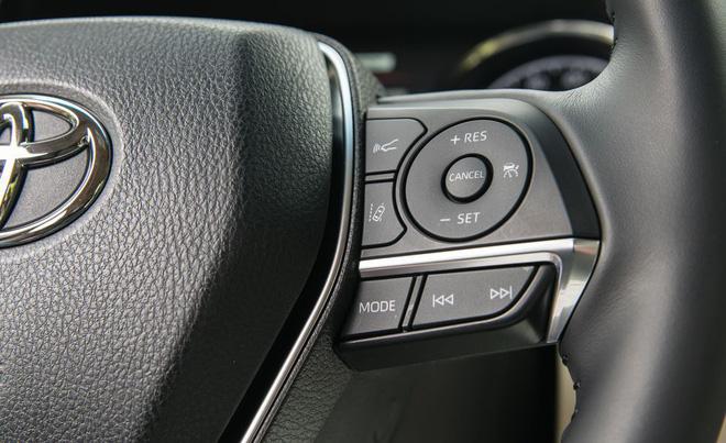 2018 toyota camry 112 15526722859002071707228 - Đánh giá Toyota Camry 2019 sắp bán tại Việt Nam - Lý do đợi chờ hơn 10 năm là đây