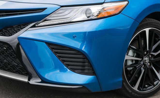 2018 toyota camry 127 1552672285887653586394 - Đánh giá Toyota Camry 2019 sắp bán tại Việt Nam - Lý do đợi chờ hơn 10 năm là đây