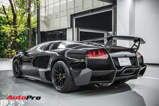 Trai nghiem 1 lan kham pha showroom Lamborghini Thai Lan Bat ngan dieu tin do sieu bo muon thu