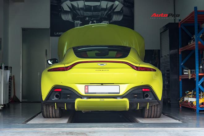 Chuyen gia bat mi qua trinh kiem tra Aston Martin hoan toan moi truoc khi tham gia Car Passion 2019