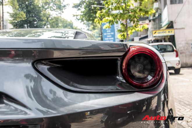 Sau nhieu nam chuyen khau tu Nam ra Bac Ferrari 488 GTB dau tien Viet Nam ve tay chu showroom sieu xe co tieng tai Sai Gon