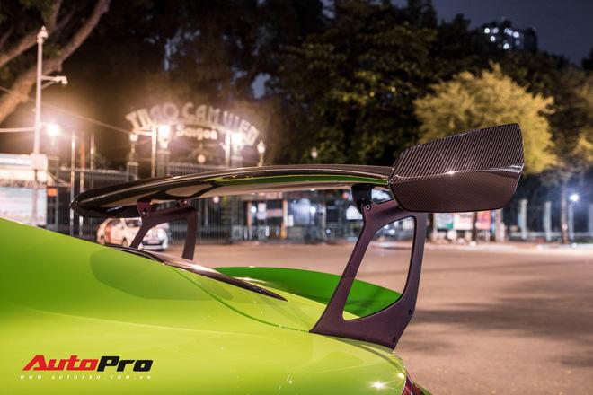 Porsche 911 GT3 RS Lizard Green doc nhat Viet Nam lan dau ra pho Sai Gon them nhieu chi tiet do TechArt Carbon khung