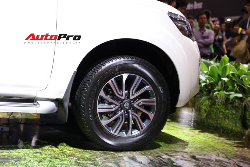 Cận cảnh Nissan Terra - SUV 7 chỗ tham vọng soán ngôi Toyota Fortuner tại Triển lãm Ô tô Việt Nam 2018 - Ảnh 5.