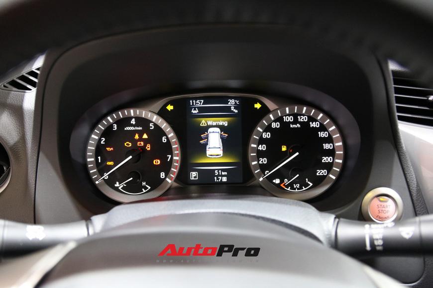 Cận cảnh Nissan Terra - SUV 7 chỗ tham vọng soán ngôi Toyota Fortuner tại Triển lãm Ô tô Việt Nam 2018 - Ảnh 10.
