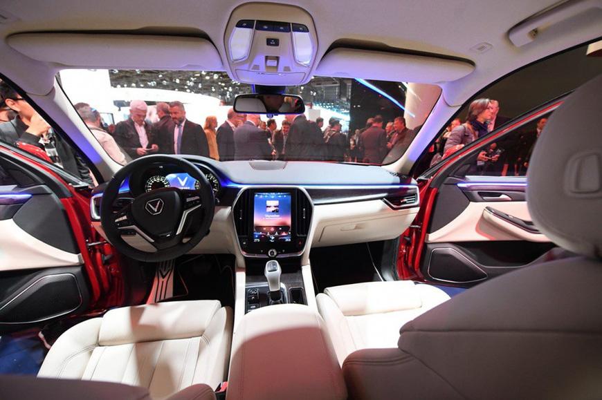 Đánh giá nhanh VinFast Lux SA2.0: SUV 7 chỗ nền tảng BMW giá gần 1,25 tỷ đồng cho người Việt - Ảnh 7.