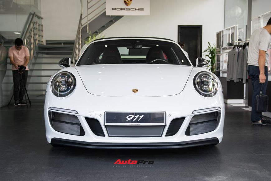 Khám phá Porsche 911 Targa 4 GTS đầu tiên Việt Nam, giá trên 11 tỷ đồng - Ảnh 5.