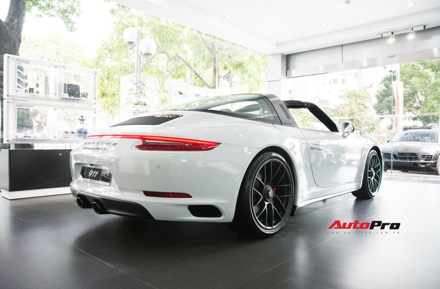Khám phá Porsche 911 Targa 4 GTS đầu tiên Việt Nam, giá trên 11 tỷ đồng - Ảnh 7.