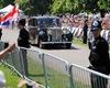 Tân nương hoàng gia Anh ngồi xe hoa Rolls-Royce Phantom IV tới lễ đường