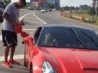 """Siêu xe Ferrari California của sao bóng rổ """"chết đứng"""" giữa đường"""