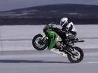 Chạy một bánh trên băng ở 183,8 km/h, Honda CBR1000RR phá kỷ lục tốc độ