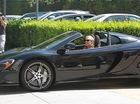 Paris Hilton xuống phố cùng siêu xe McLaren 650S