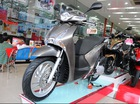 Xe máy Honda khan hàng, đội giá trong tháng Ngâu