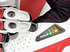 Cạnh tranh với Ducati, BMW phát triển áo mô tô có túi khí