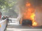 Doanh nhân từng nghiện ma túy châm lửa đốt xe BMW giữa phố