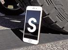 """Lái """"khủng long"""" Ford F-150 chèn qua iPhone 6S để thử độ bền"""