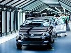 Năm 2014: Tập đoàn Toyota bán ít xe hơn đối thủ Volkswagen