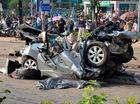 Toyota Corolla Altis bị vò nát, 5 người trên xe tử vong tại chỗ
