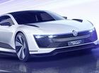 """Volkswagen Golf phiên bản """"cửa cánh chim"""", tiêu thụ xăng như xe máy số"""