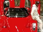 """Võ sĩ sở hữu 3 Bugatti Veyron """"tậu"""" thêm Ferrari Enzo"""