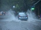 Cập nhật những tuyến đường Hà Nội bị ngập hoặc cây đổ vì mưa bão