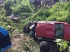Đồng Nai: BMW 320i đâm bung dải ta-luy, lao xuống suối, có người tử vong