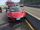 Phóng viên gây tai nạn khi lái siêu xe Honda NSX, đổ lỗi cho con ong