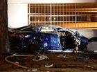 Tesla Model S đâm vào gốc cây rồi phát nổ, đôi nam nữ tử vong