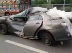 Toyota Corolla nát bét vẫn bon bon chạy bằng vành