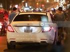 Trấn Thành lái Mercedes-Benz S400 chở Hari Won chạy ngược chiều tại Sài Gòn