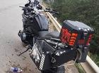 BMW R1200GS tông vào dải ta-luy, người lái tử vong