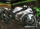 Siêu mô tô Kawasaki ZX-10R 2017 màu trắng-titan cập bến Việt Nam, giá từ 549 triệu Đồng