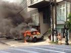 Quảng Ninh: Ô tô 5 chỗ đỗ trước cổng công an phường bốc cháy dữ dội