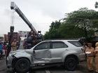 Xe khách tông nát đầu xe 7 chỗ, hàng chục hành khách hoảng loạn