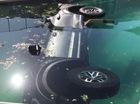 """Xe bán tải cỡ lớn Ford F-150 Raptor 2017 """"chết đuối"""" trong bể bơi"""