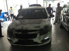 Sài Gòn: Đỗ dưới chung cư, Chevrolet Cruze bị xịt sơn đen khắp xe