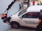 Hà Nội: Lái ô tô đâm vỡ tường cửa hàng, tài xế bị chủ nhà đòi đền bù 200 triệu Đồng