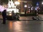 Hà Nội: Va chạm với Honda Wave, Toyota Altis ngửa bụng trên phố
