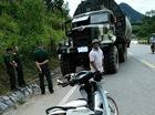 Xe máy đâm vào xe công binh, 1 người tử vong