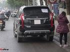 Hà Nội: Va phải xe tải, Mitsubishi Pajero Sport của nữ tài xế mới lái vỡ gương