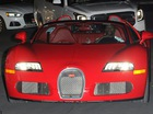 Sau màn so găng tỷ USD với McGregor, Floyd Mayweather cầm lái Bugatti 3,3 triệu USD đi ăn mừng