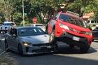 Đây là chiếc xe thể thao Kia Stinger 2018 đầu tiên gặp nạn trên thế giới